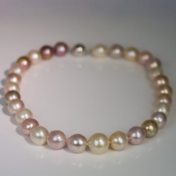 Natural colour pearl necklace