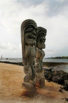 protective_teki_Pu'uhonua_o_honaunau