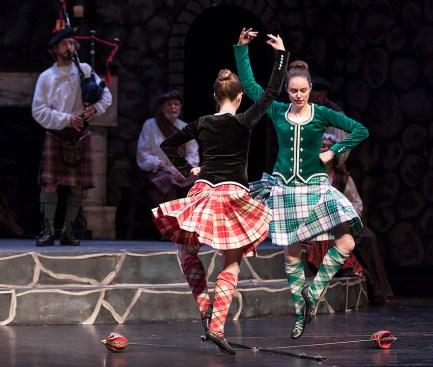 The Highland Sword Dance - Santa Barbara Revels Winter Solstice Celebration 12/16/16 The Lobero Theatre