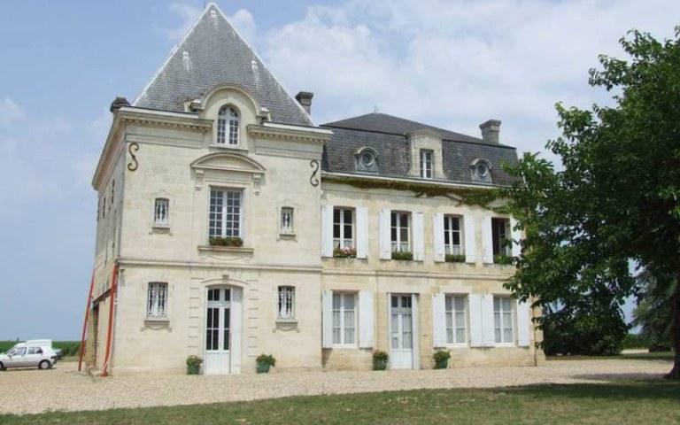 Chateau-LEvangile-Exterior-800x500