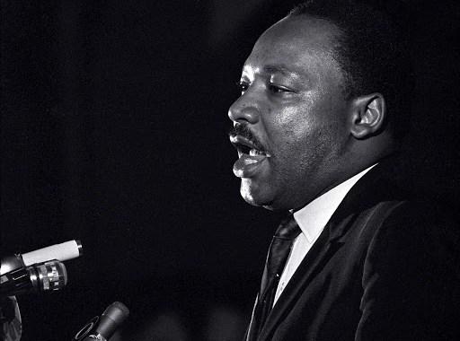 MLK giving a speech