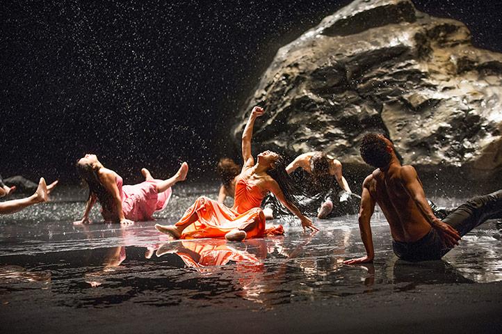 Entrare fuori, uscire dentro: la Gestalt e il teatro-danza di Pina Baush