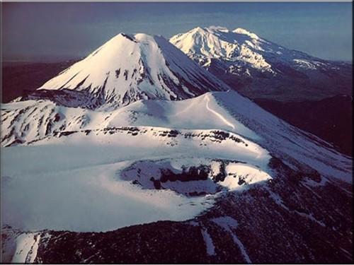 cover-upload-1311405310-tongariro-national-park-new-zealand-north-island-land-500x375