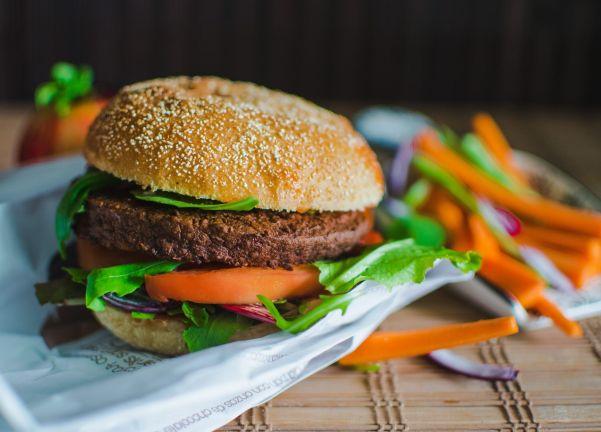 Salsas para hamburguesas veganas