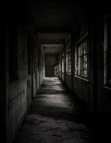 Fort de la Chartreuse decaying hallway ground level © David Hamilton Melby