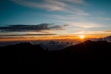 sunrise_at_top_of_mount_haleakala_maui_hawaii