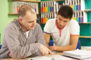 Un professeur et une crevette étudiante