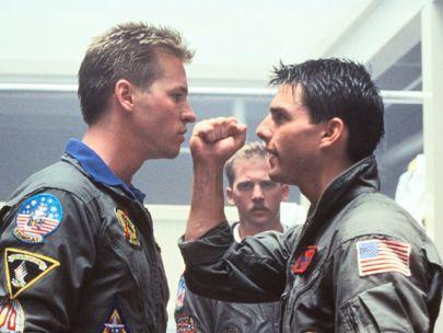 Tom Cruise et Val Kilmer les yeux dans les yeux - Top Gun 1986