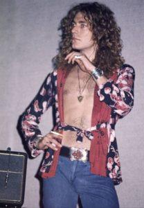 Robert Plant des Led Zeppelin, backstage et en négligé à l'orée des 70s