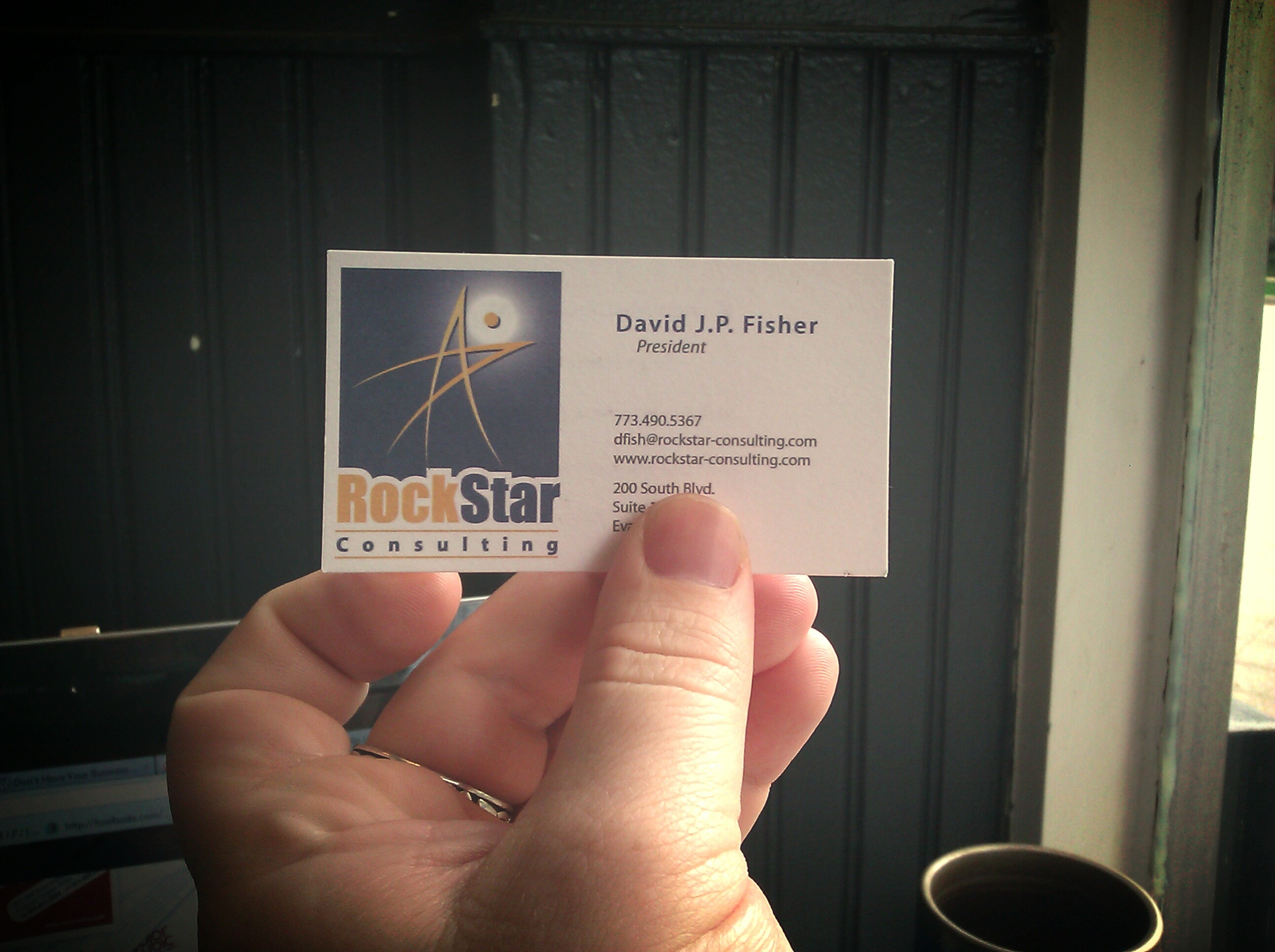 Why I Think it\'s Dumb to Not Use Business Cards
