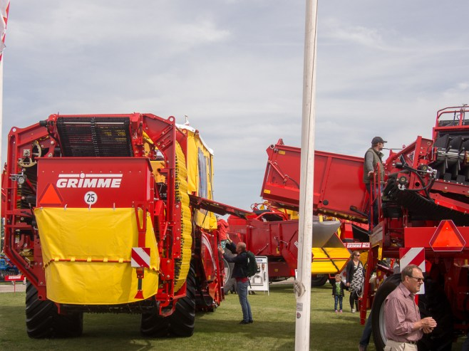 Large agricultural machinery at Borgeby Fältdagar