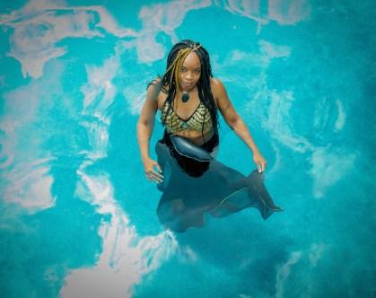 Melanie.pool.1.no.wm
