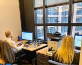 En ögonblicksbild från kontoret i Strasbourg där Natalie och Filip var i full fart med att förbereda de röstlistor som jag och Sara använde under voteringarna.