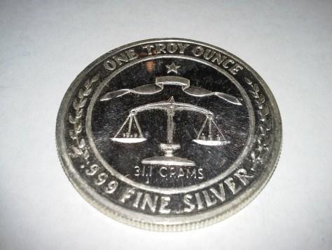 1 OZ .999 Fine Silver Parliament Shield Round - 1983