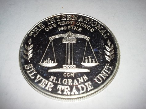 1 OZ .999 Fine Silver California Crown Mint International Universal Trade Unit Round