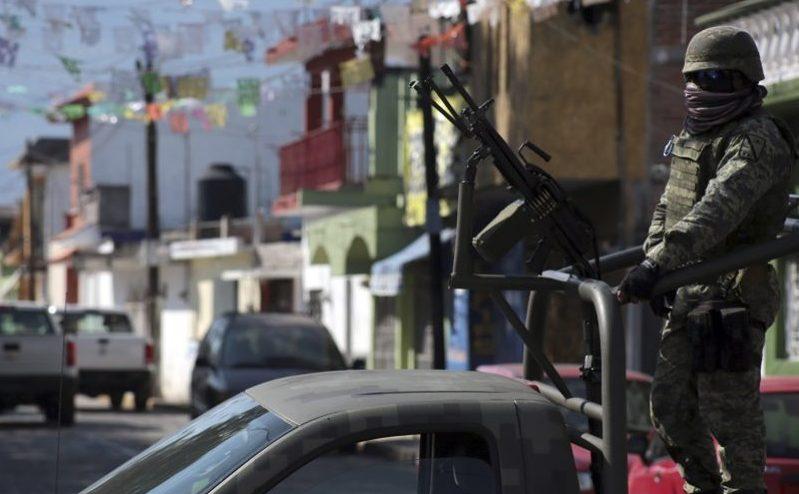 """Capturan a presunto jefe de plaza de """"Los Rojos"""""""