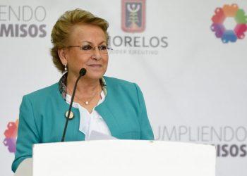 Adriana Flores, secretaria de la Contraloria de Morelos, en rueda de prensa.