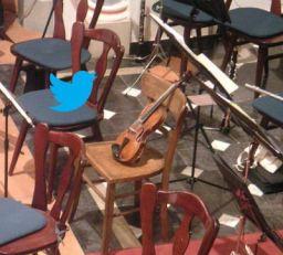 En Twitter, el público lleva la batuta