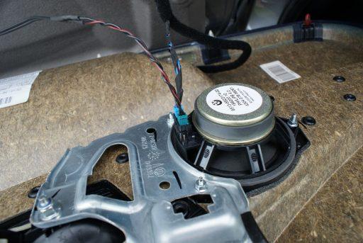 Connector at back of Mid-Range Speaker