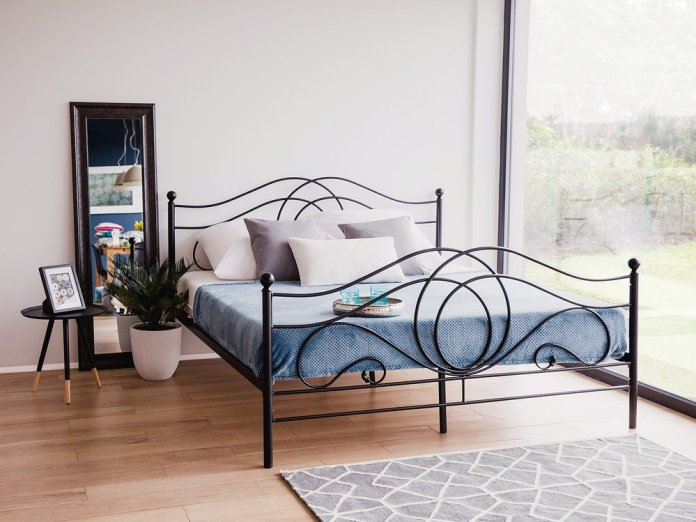 iron bed frame model