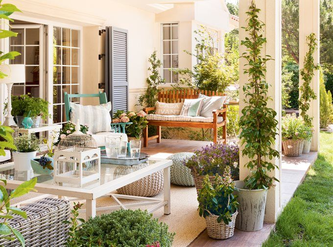 10 Elements to Create a Unique Outdoor Living Room