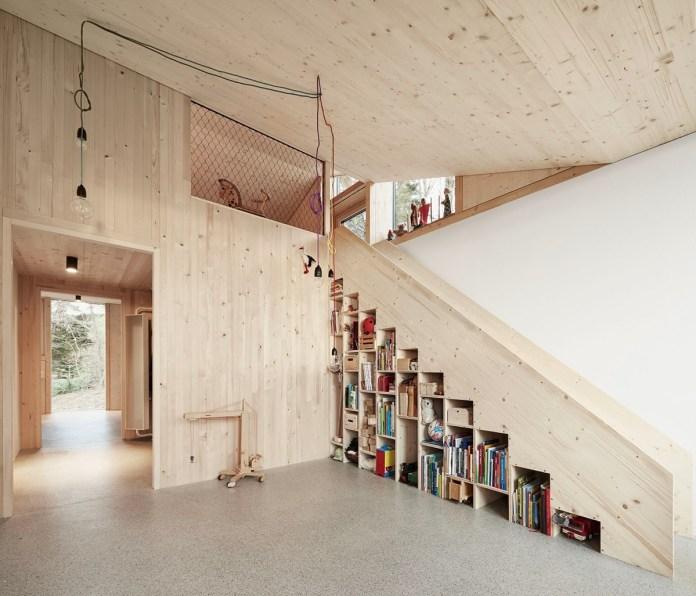 Multifunctional Minimalist Staircase
