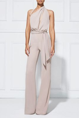 112ca03baefd 15 Things Not to Wear to a Wedding