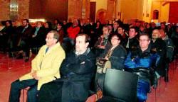 Numerosos vecinos siguieron las conferencias de los expertos en paleontología. - Foto:SERVICIO ESPECIAL