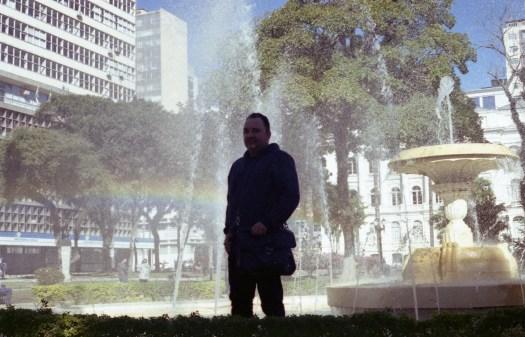 Fotografia Analógia de Pessoas - Arco-Íris, Chafariz - davipinheiro.com