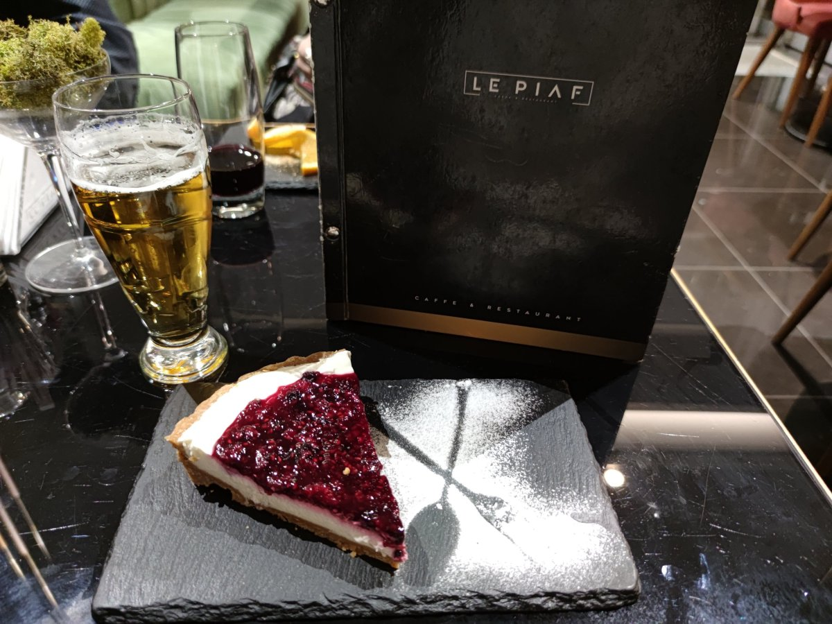 Cheesecake at the Le Piaf restaurant