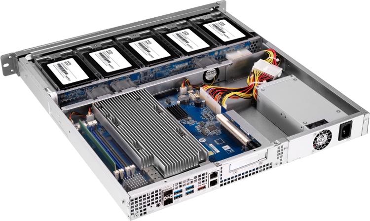 Максимальный объем оперативной памяти достигает 64 Гбайт