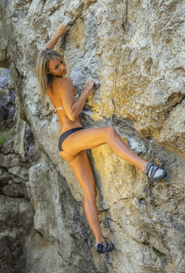 shes-got-legs-for-days-31-photos-30