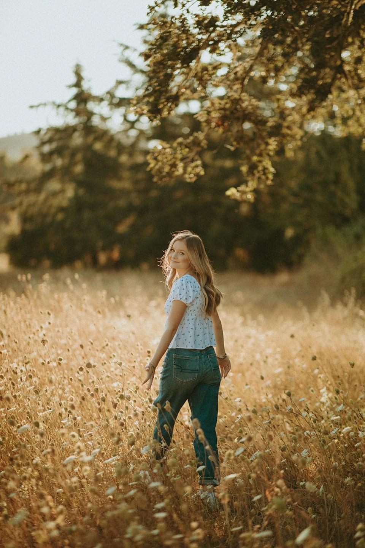 girl posing in field