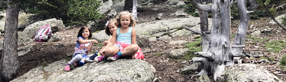 Top 5 Health Benefits of Family Hiking