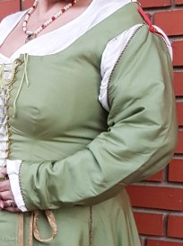 Green silk sleeves for my Italian costume. Lined in white linen