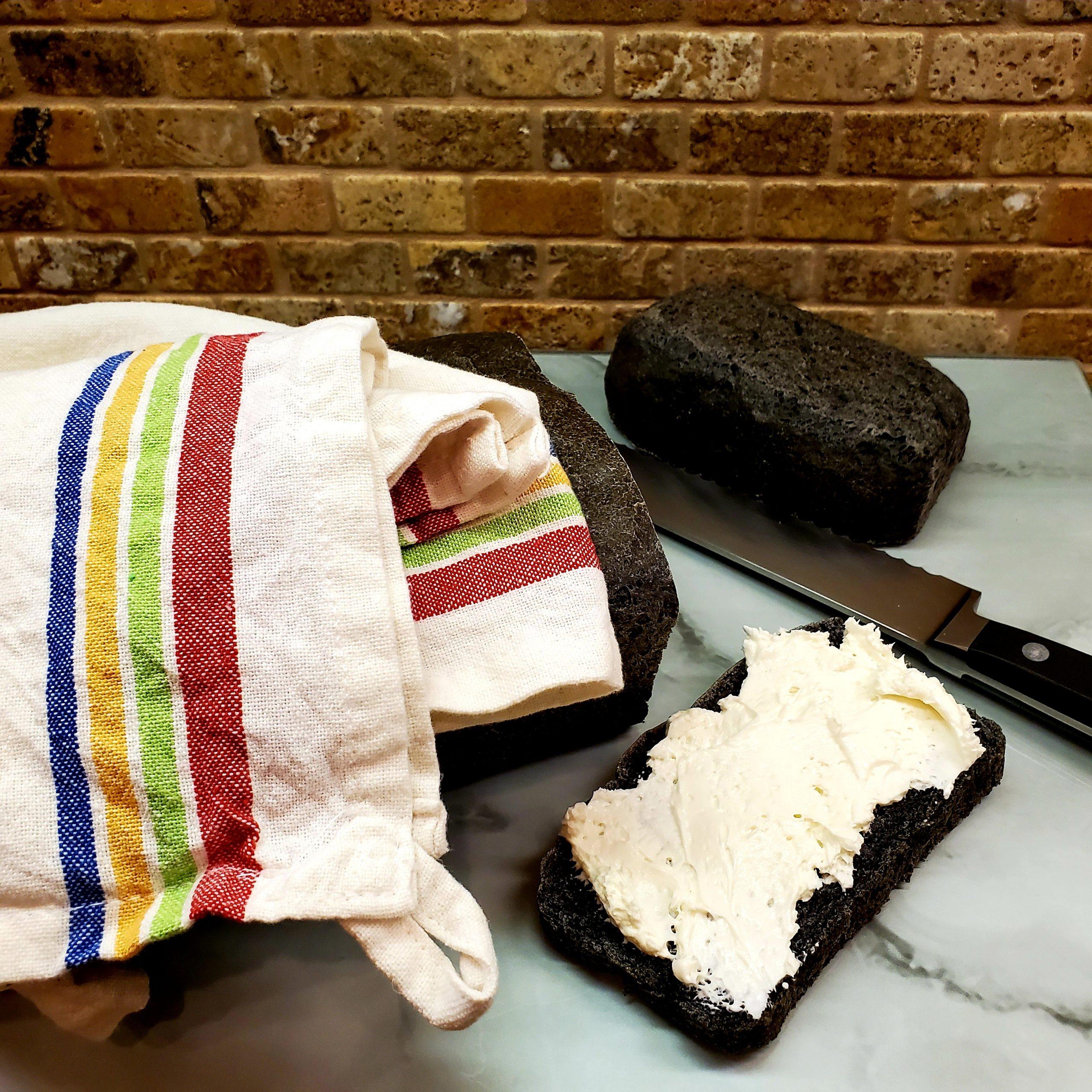 Simple Black Sandwich Bread