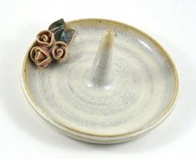Ceramic ring holder
