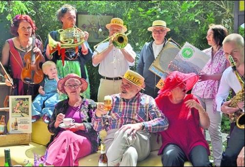 Schirmehrren und aktive Macher haben zum Elbhangfest rund 350 Veranstaltungen im Programm versammelt.