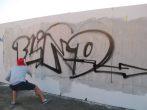 """Mit verbundenen Augen brachte ein Sprayer aus der Wroclawer Mannschaft das Wort """"Blind"""" an die Wand. Foto: Una Giesecke"""