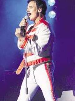 Freddie Mercury, pardon, Johnny Zatylny Foto: PR