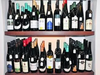 Die Meißner Weine aus der Vinothek an der Salzgasse können – abgesehen vom Alkohol – alle schadlos getrunken werden. Foto: Una Giesecke