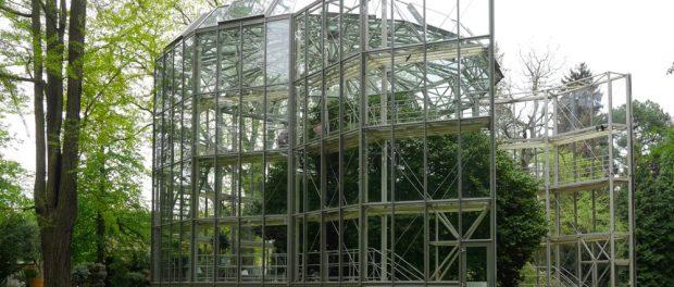 12_Kamelienhausverschiebung - Das Glashaus setzt sich langsam in Bewegung