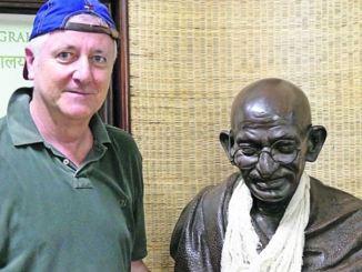 Wolfgang Mihan lotet auf Kreuzfahrten neue Reiseziele aus: hier im m Mani Bhavan Gandhi MuseumGhandi-Museum Mumbai. Foto: privat