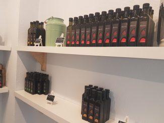 Die Dresdner Ölmanufaktur erweckt einen ganz neuen Sinn für den Geschmack von Öl. Foto: F. Sommer