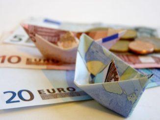 Mehr Geld für die Pflege? Darüber informiert die Verbraucherzentrale Sachsen. Foto: PR