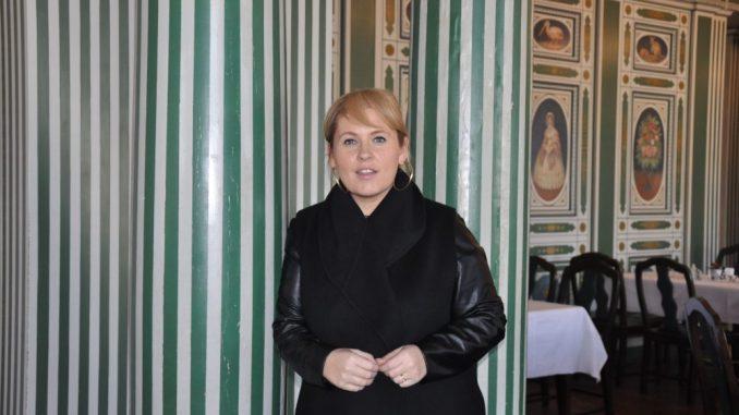 """Maite Kelly im Italienischen Dörfchen: """"Ich liebe Säulen, die haben so was Erhabenes, Emporstrebendes."""" Foto: Una Giesecke"""
