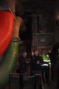 Drinnen sorgen die unterirdischen Leitungen für konstant 24 Grad Celsius. Foto: Una Giesecke