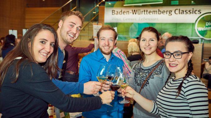 Ein Gläschen guten Wein mit Freunden genießen: Das geht bei den Baden-Württemberg Classics. Foto: PR
