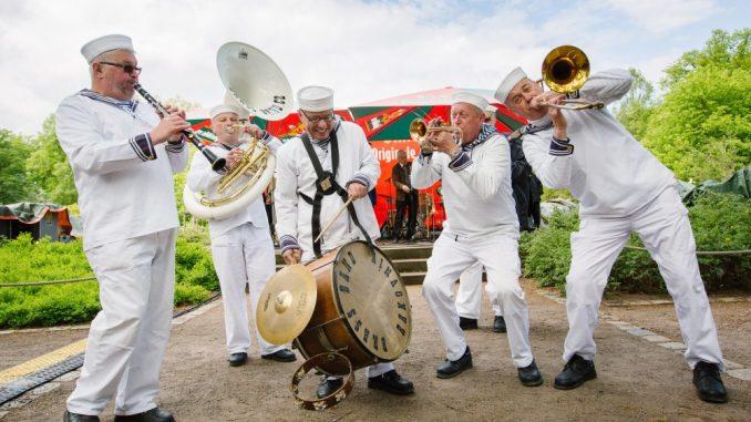 Dixiemusik bringt den Dresdner Zoo zum Tanzen. Foto: Claudia Jaquemin