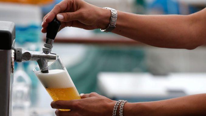 Am 23. April ist Tag des Bieres. Foto: Axel Heimken/Archiv